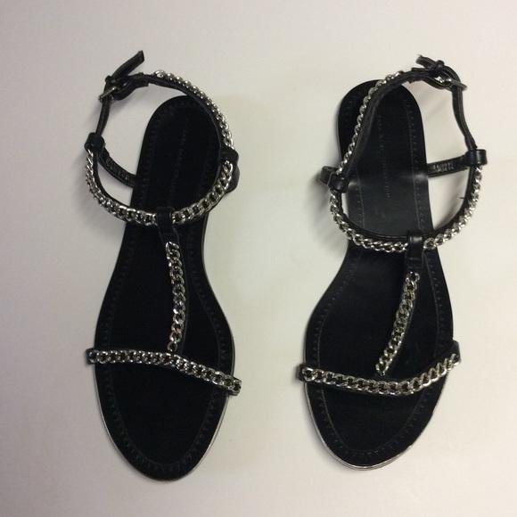 5bad170c2b484 Zara Basic black sandals with silver chain detail